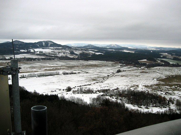 výhled z vrcholu rozhledny na Špičáku, 28. 2. 2009
